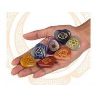 Cristale gravate cu simboluri spirituale